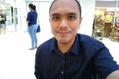 HTC U Play sample selfie