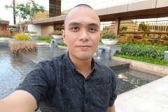 Samsung Galaxy S8 sample selfie b