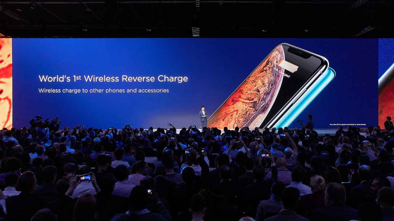 Huawei Mate 20 and Mate 20 Pro wireless reverse charge feature on Revu Philippines