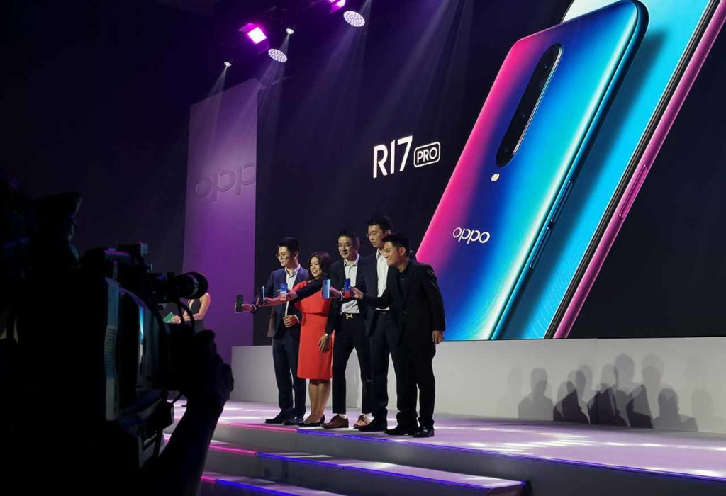 OPPO executives at the R17 Pro launch event on Revu Philippines
