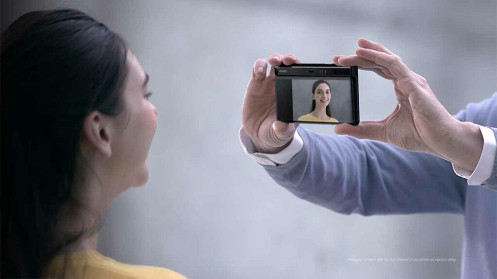 Huawei Mate X mirror shooting via Revu Philippines