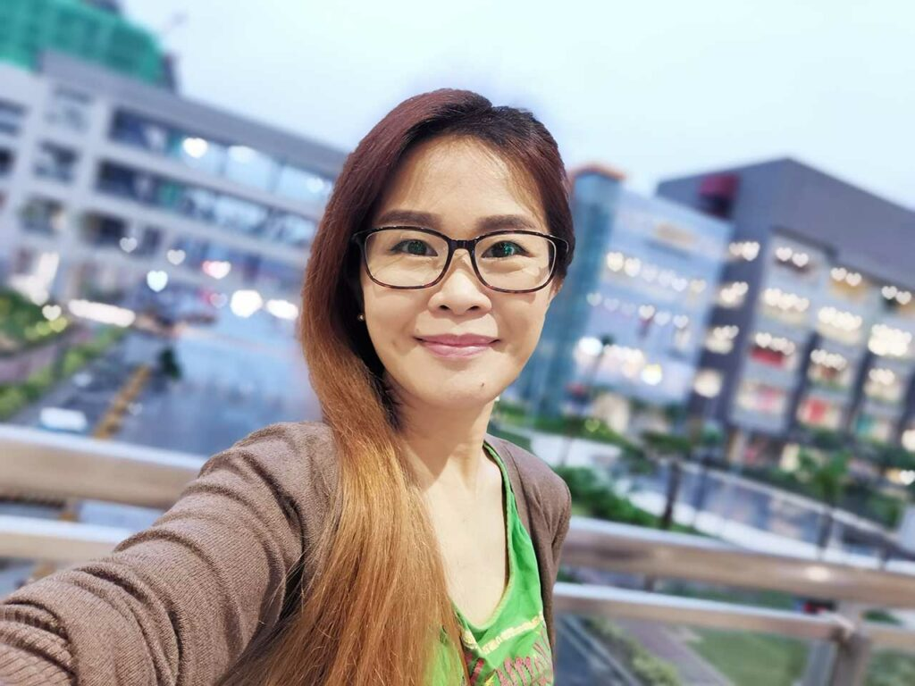 Huawei Mate 30 Pro sample selfie picture taken in portrait mode by Revu Philippines
