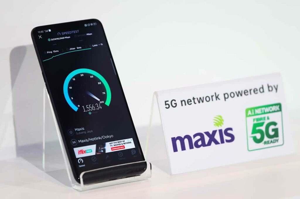 5G internet connection speed at the OPPO APAC Region Hub launch via Revu Philippines
